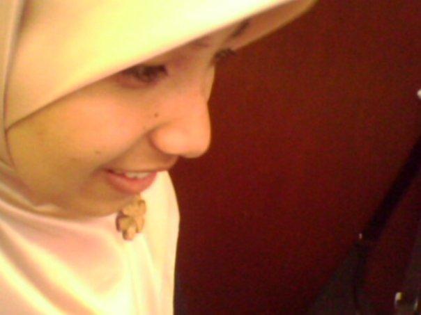 Ketika senyuman mesti ada, dalam berbagai suasana